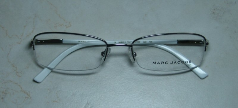 MARC JACOBS 009