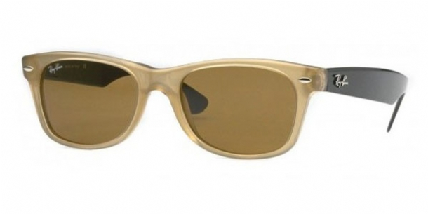 RAY BAN 2132 in color 945