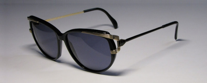YVES SAINT LAURENT 5002
